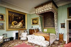 Queen Victoria's bedroom in Osborn house, by English Heritage