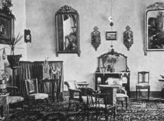 The Drawing room of the Hotel Cecil,1900 Image from Wikimedia Commons